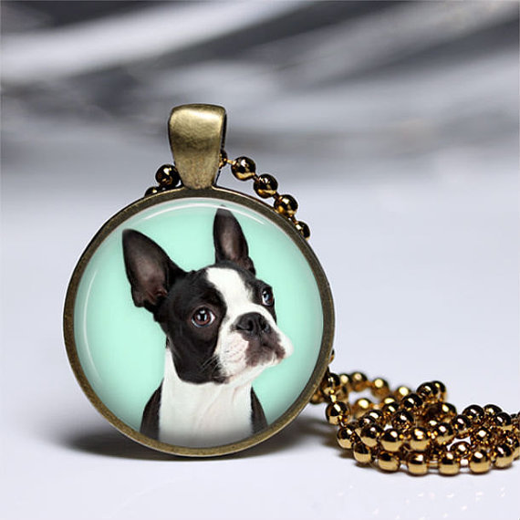 collar con camafeo de perro