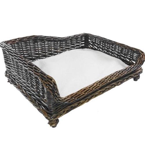 cama para perro de mimbre