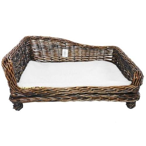 cama de mimbre para perro